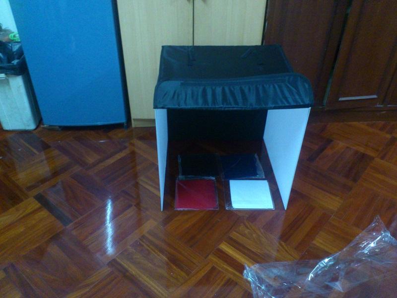 เต็นท์ถ่ายรูปสินค้า Studio box ขนาด 60 ซม x 60 ซม x 60 ซม พร้อมผ้า 4 สี ราคา 890 บาท